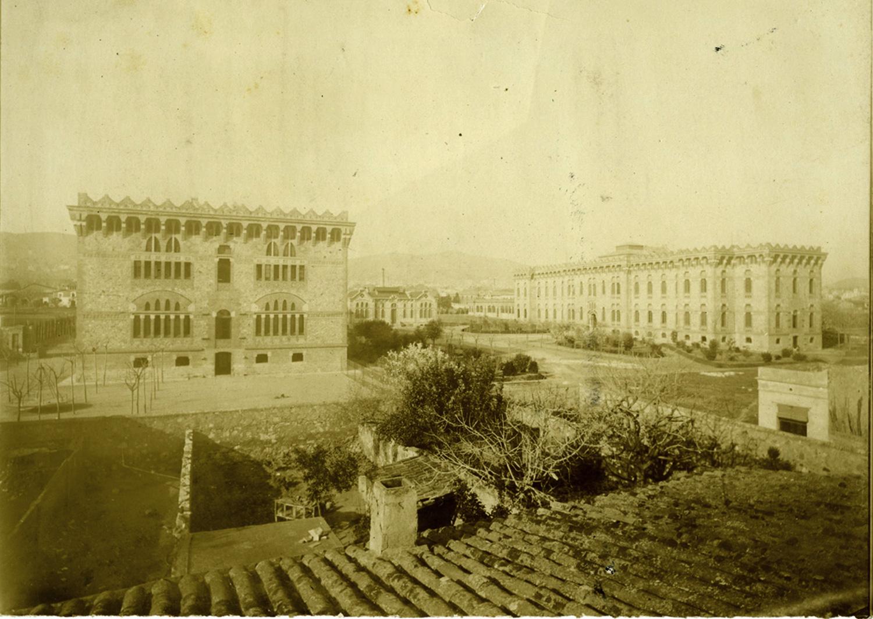 1903 AFB Vista general dels pabellons de la Casa de la Maternitat, a les Corts. Autor Mas Ginestà, Adolf