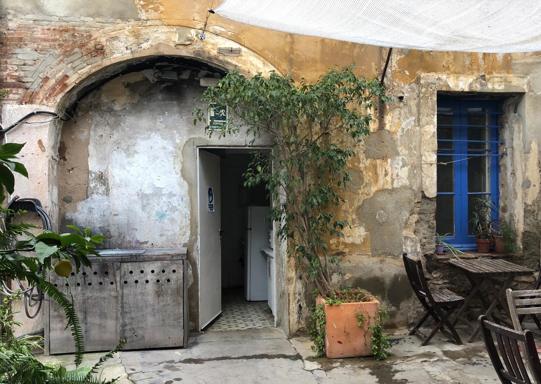 Cal Nicasi door photo by Alexia Medici